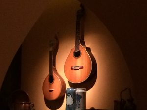 Portugese guitars in Faia Restaurant